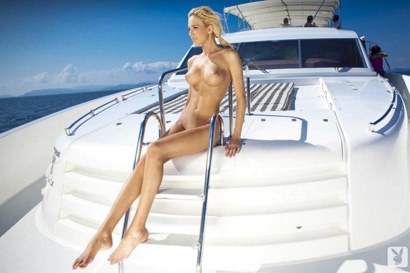 голые телки на яхте найти - 8
