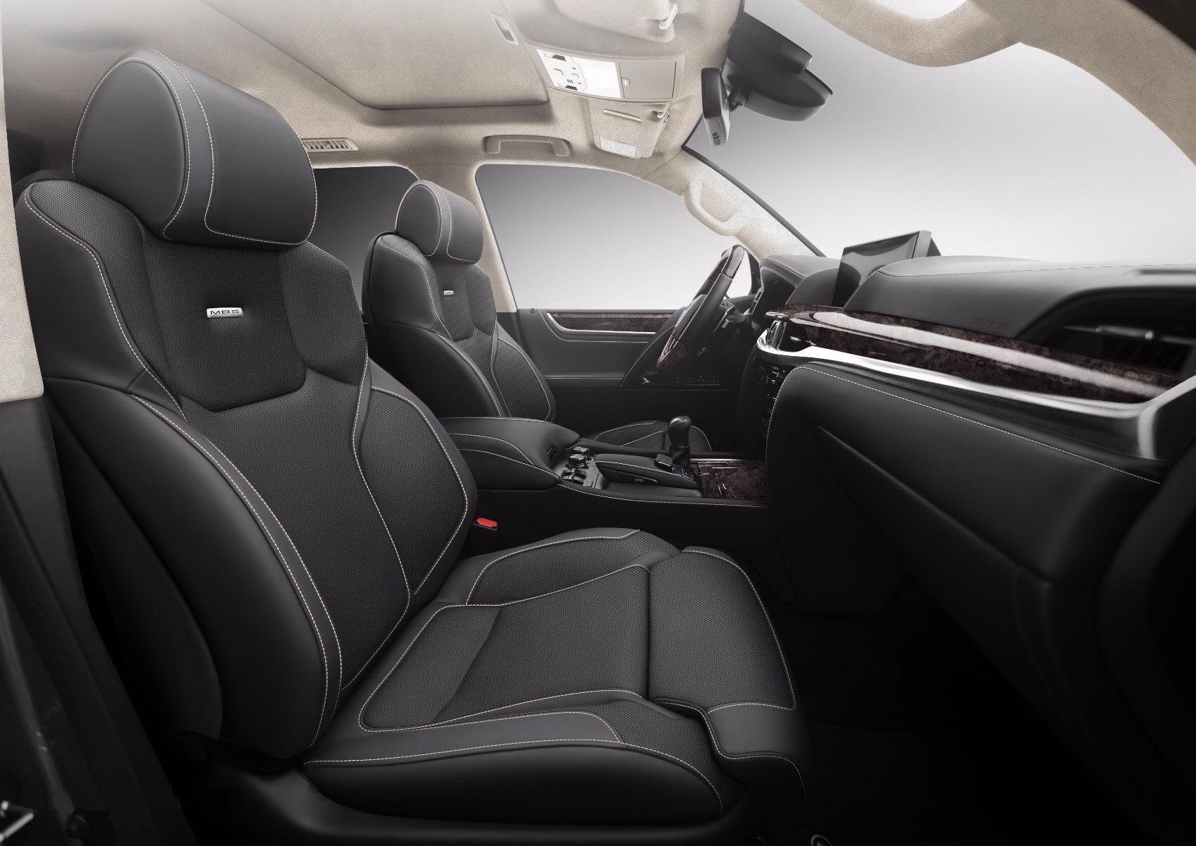 сиденья от БМВ в Land Cruiser 200